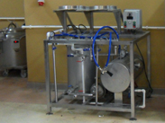 KG 02 washing disinfection and filling beer into keg barrels a1