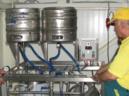 KG 02 washing disinfection and filling beer into keg barrels a2